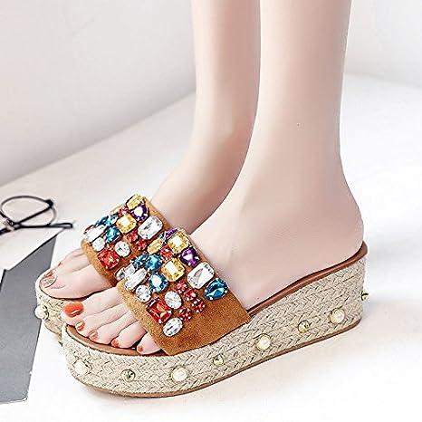 RUGAI-UE Las mujeres zapatillas verano llevar zapatillas de suela gruesa remache zapatos de la muchacha de la playa,Thirty-Nine,amarillo: Amazon.es: ...