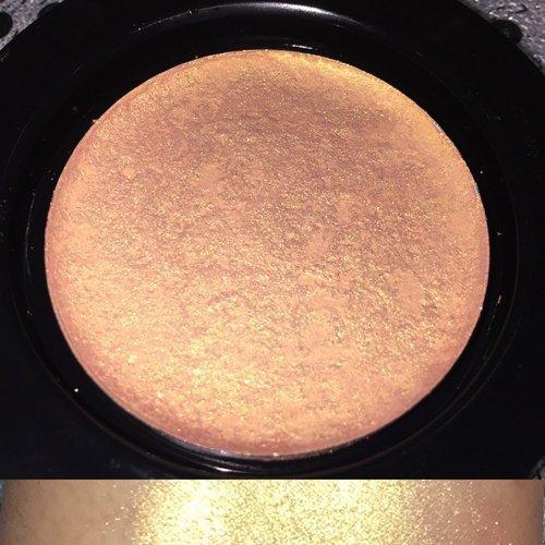 highlighter-golden-wings-highlighter-powder-highlighting-makeup-powder-pressed-highlighter-illuminat