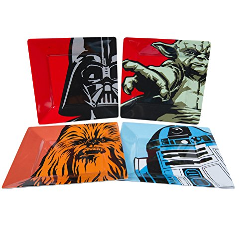 Star Wars Plate Set - Dishwasher Safe - Features Yoda, Darth Vader, R2D2 and Chewbacca -