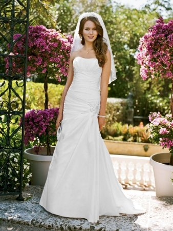davids-bridal-wedding-dress-style-wg3032