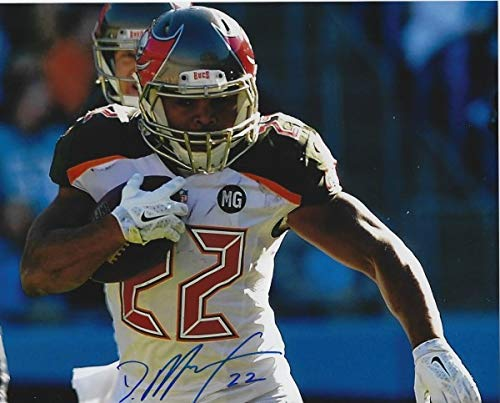 (Autographed Signed Doug Martin 8x10 Tampa Bay Buccaneers Photo - Certified Authentic)