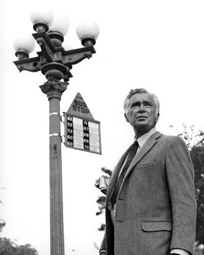Buddy Ebsen in Barnaby Jones standing by bus stop 8x10 Promotional (Promotional Stop)
