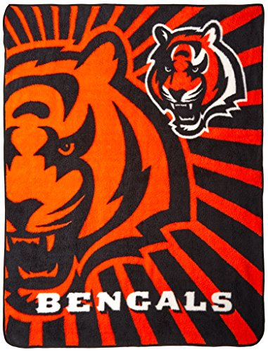 Officially Licensed NFL Cincinnati Bengals Strobe Sherpa on Sherpa Throw Blanket, 50