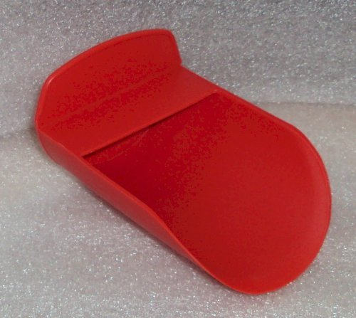 (Tupperware Rocker Scoop for Canisters and Modular Mates in RED by Tupperware)