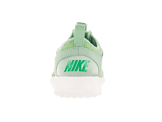 uk availability b4ffc 0c640 Nike Women s Juvenate, Enamel Green Spring Leaf, 7. 5 B US  Amazon.in   Shoes   Handbags