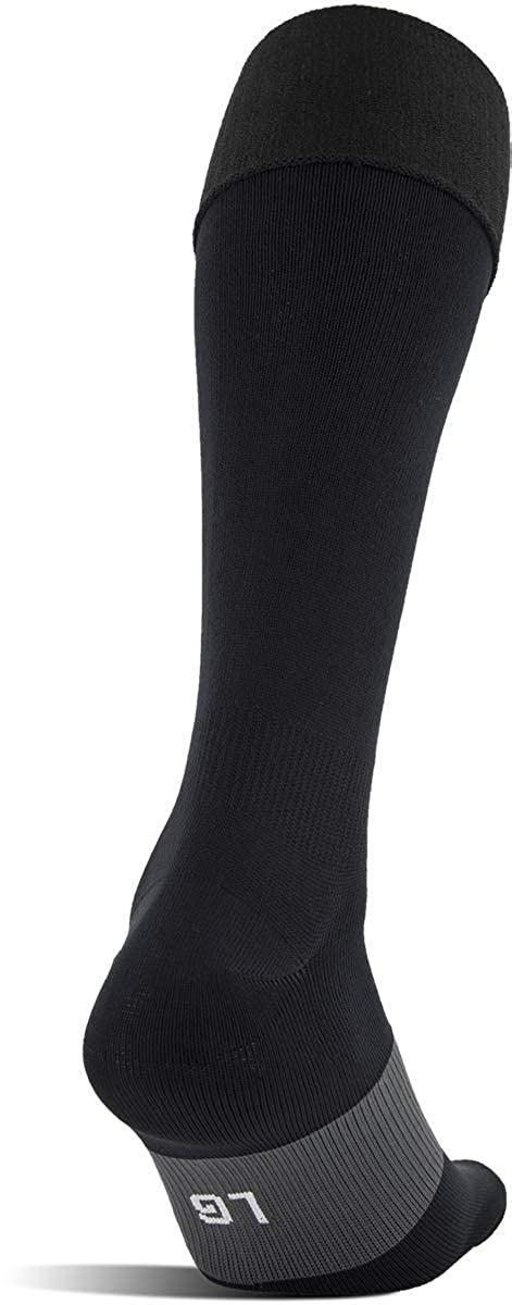 f2e58066e Amazon.com: Under Armour Soccer Over The Calf Socks, 1-Pair: Clothing