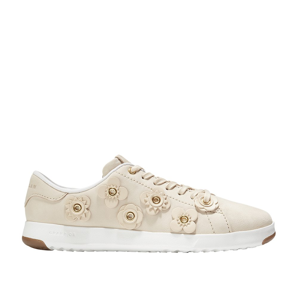 Cole Haan Women's Grandpro Tennis B079R72C7F 5 B(M) US|Brazilian Sand Nubuck/Brazilian Sand Leather Flowers/Optic White