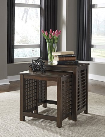 Roxenton Nesting End Tables (2/CN) by Signature Design by Ashley
