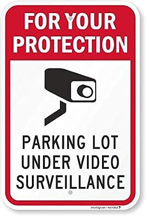 Amazon.com: Para Su Protección Parking Lot bajo Video ...