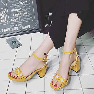 LvYuan Mujer Sandalias PU Verano Paseo Perla Hebilla Talón de bloque Negro Beige Amarillo 5 - 7 cms beige