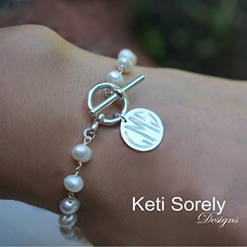 Toggle Engraved (Freshwater Pearl Bracelet With Engraved Monogram Disc & Toggle Clasp)