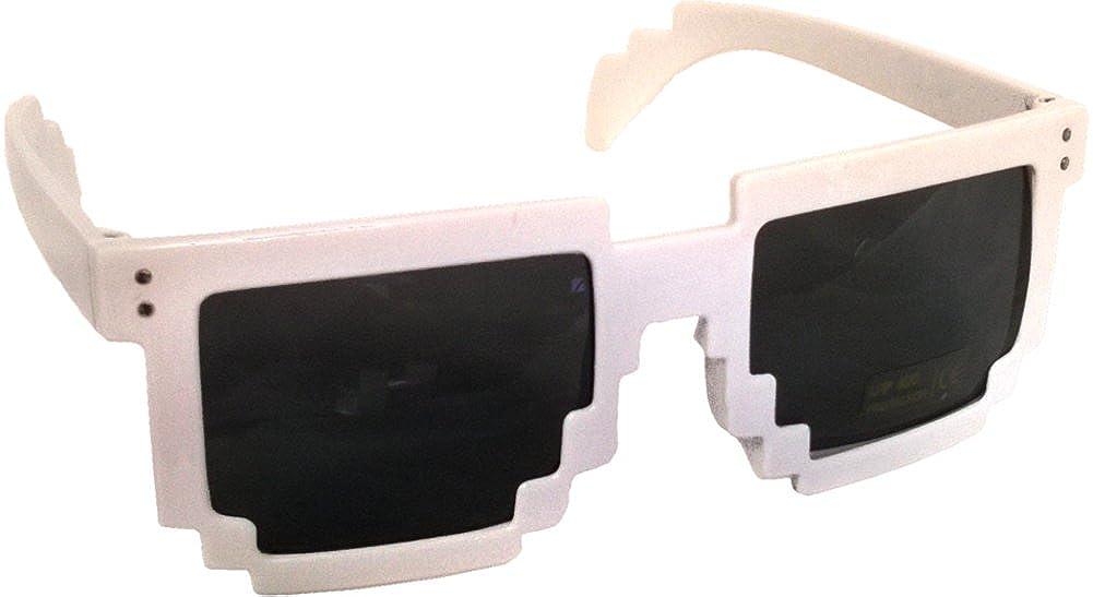 Amazon.com: Blanco, 80 de 8 bits pixelado Videogame píxeles ...