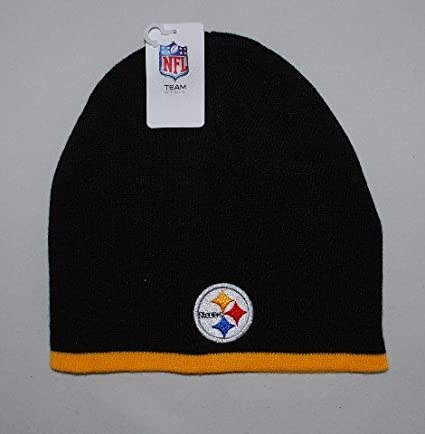 d67cbf826 Amazon.com   Pittsburgh Steelers Beanie Knit Hat Scully Cap 2 Tone   Sports    Outdoors