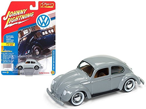 Auto World New 1:64 Johnny Lightning Classic Gold Collection - 1950 Volkswagen Split Window Beetle Pearl Gray Diecast Model Car