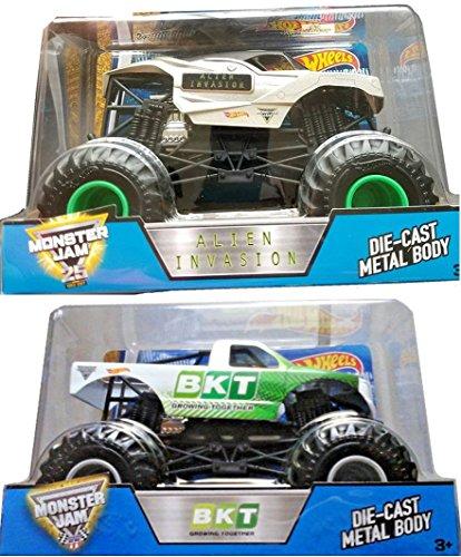 Alien Invasion Set (Head 2 Head Monster Jam Hot Wheels Big 1:24 Scale 2017 Alien Invasion VS BKT Growing Together Double Header Trucks 2-Pack)