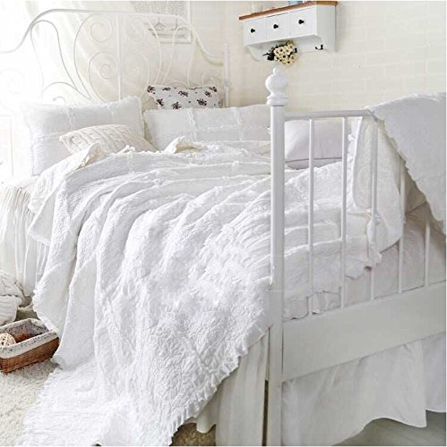 LELVA White Lace Ruffle Quilt Set with 2 Pillow Shams Cotton Floral Pattern Bedspread and Coverlet Set 3-Piece Full/Queen