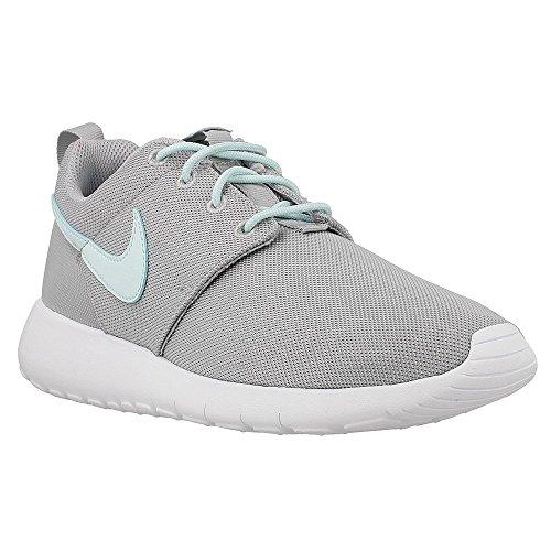 Nike Roshe One Big Kids Style: 599729-015 Size: 6 Y US (Boys Nike Roshe Size 6)