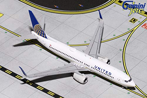 (GeminiJets 1:400 Scale United Airlines Boeing 737-800 Airplane Model)