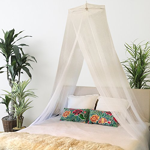 (Bobo & Bee - Premium Bed Canopy Mosquito Net Curtains Includes 3 Boho Pom Pom Decorations and Hanging Kit,  Large Queen Size, White, For Girls, Toddlers And Adults Or Over Baby Crib )