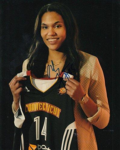 (ALYSSA THOMAS signed (CONNECTICUT SUN) WNBA basketball 8X10 photo W/COA - Autographed WNBA Photos)