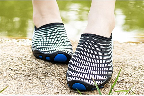 WaltZon Wasserschuhe Mens Womens Beach Swim Schuhe Quick-Dry Aqua Socken Pool Schuhe für Surf Yoga Schwarz