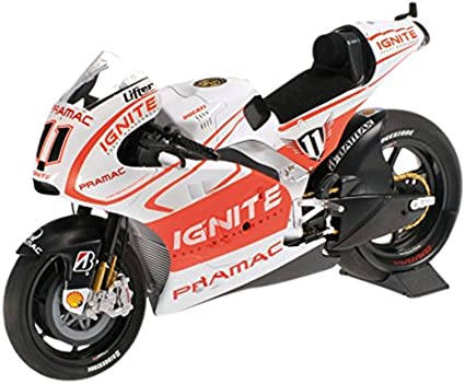 Amazon Com Minichamps 122130011 1 12 Ducati Desmosedici Gp13 Ben Spies Motogp 2013 Die Cast Car Toys Games