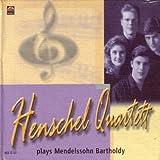 Plays Mendelssohn Bartholdy