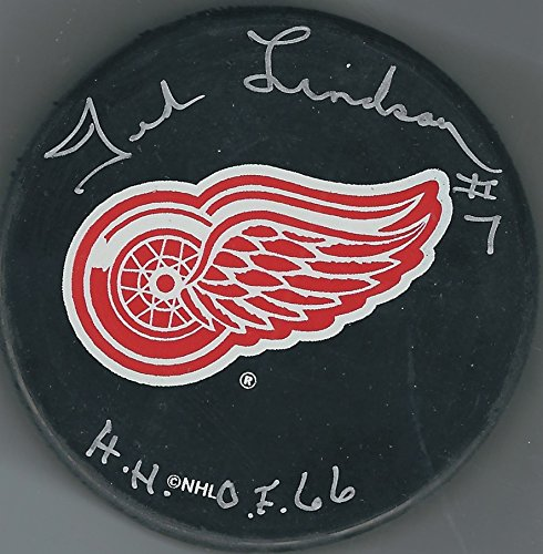 Autographed Ted Lindsay Detroit Red Wings Hockey Puck