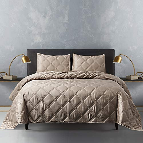 SHALALA NEW YORK Diamond 3 Piece Quilt Set - Modern Fine Satin Fabric with Down Alternative Fill - Ultra Soft Luxury Lightweight Comforter Set for All Season (Gold, King)