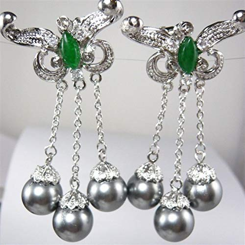 - Charming Green Jadeite & Grey Shell Pearl Earring
