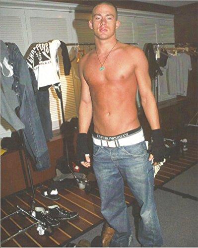 Magic MIke Channing Tatum no shirt - 8 x 10 Behind the Scenes Photo - 004