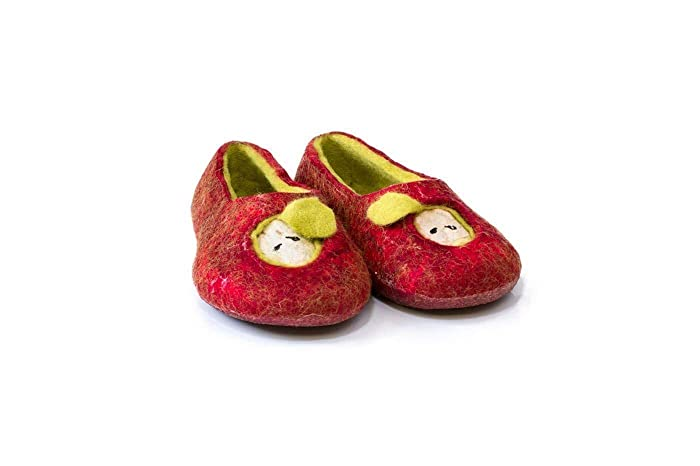 01ef2a171256 Amazon.com: Red Apple handmade felted wool slippers for kids, Woolen  children home shoes: Handmade