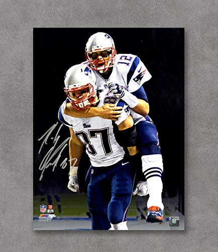 Tom Brady New England Patriots Autographed Items a39eca0e2