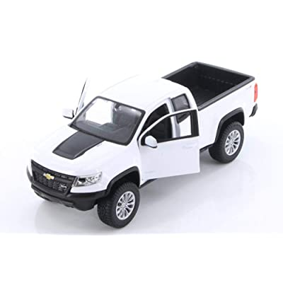 Maisto Showcasts 2020 Chevy Colorado ZR2, White 34517 - 1/27 Scale Die-Cast Model Toy Car But No Box: Toys & Games