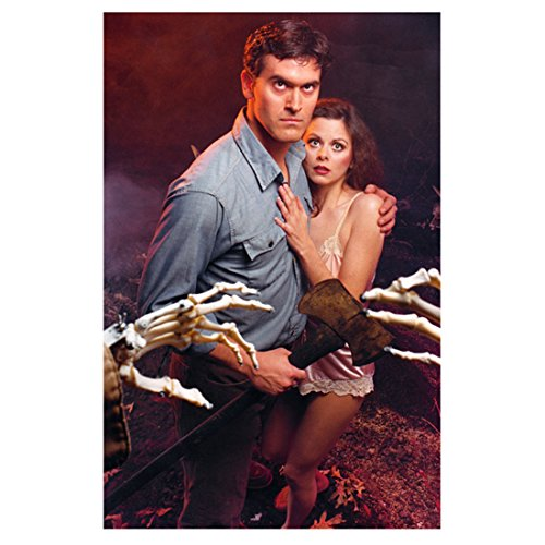 The Evil Dead II (1987) 8 Inch x 10 Inch Photo Bruce Campbell Protecting Sarah Berry kn