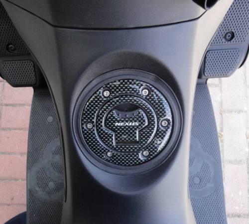 Tappo ADESIVI 3D CARBONIO PROTEZIONE SERBATOIO x Scooter GILERA NEXUS dal 2008