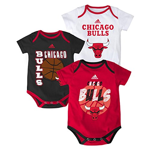 "NBA Chicago Bulls Newborn ""3 Point Spread"" Bodysuit Set, Red, 6-9 Months"