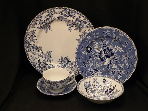 Johnson Bros. Devon Cottage Eight 5 Pc Place Setting(s) W/Cereal