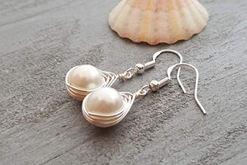 Wire-braided natural pearl earrings