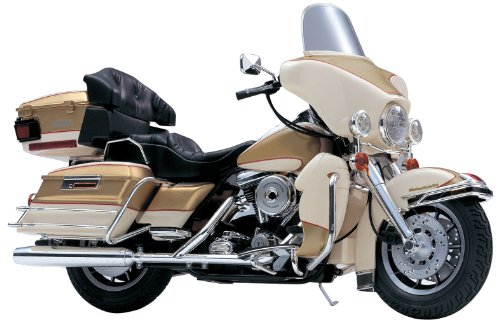 Aoshima Models FLHTC Ultra Classic with V-Twin Engine Motorcycle, Scale 1/12