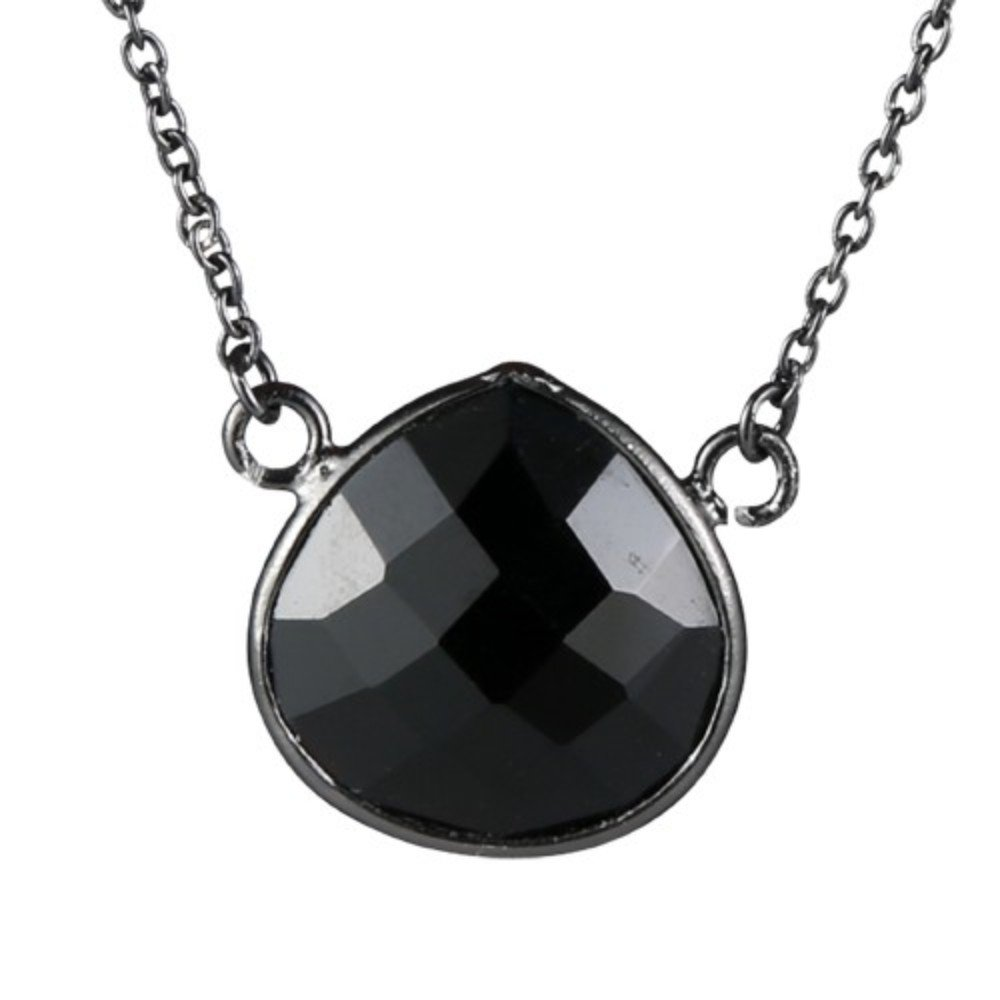 Nathis Simple and Sweet Necklace with a Black Onyx Gemstone