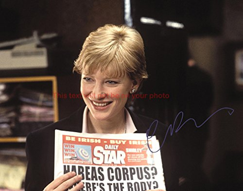 (Cate Blanchett Veronica Guerin Autographed 8x10 Glossy Photo)