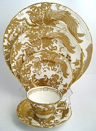 Royal Crown Derby Gold Aves Salad Plate 21.5cm