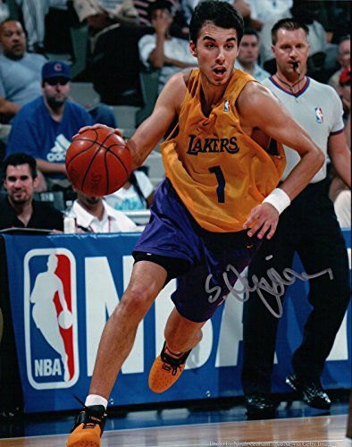 Sasha Vujacic Signed 8X10 Autograph Photo Los Angeles Lakers Dribbling Photo COA