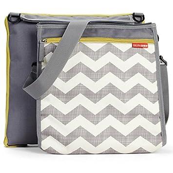 933b64bc15 Skip Hop Baby Infant   Toddler Central Park Waterproof Convertible Outdoor  Blanket   Detachable Cooler Bag