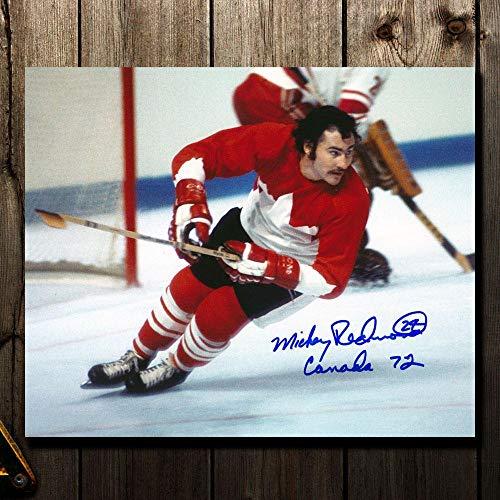 (Mickey Redmond Signed Photo - Team Canada 1972 Summit Series 8x10 - Autographed NHL Photos)