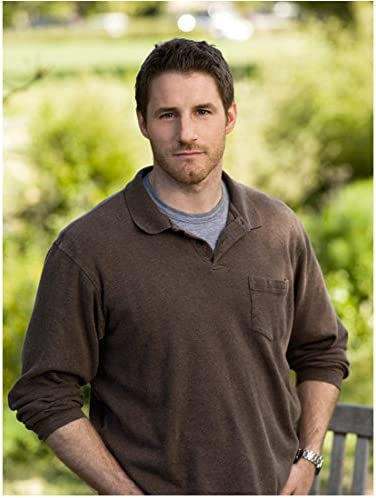 Parenthood 8inch X 10inch Photo Sam Jaeger Brown Sweater Over Grey Tee Shirt Kn At Amazon S Entertainment Collectibles Store