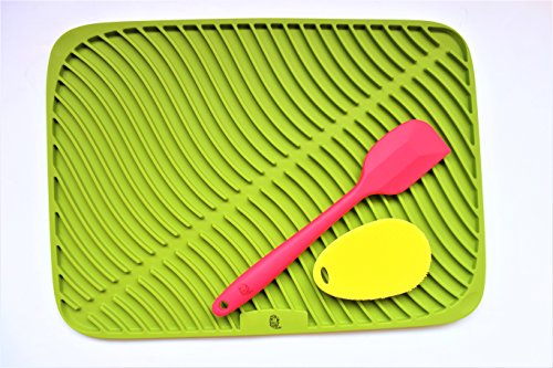 large mat&big red spatula&yellow sponge and discount price little inventory by DDM by DDM