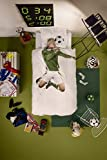 SNURK Soccer Player Duvet Cover and Pillowcase Set in Green - Full/Queen