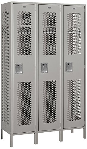 Salsbury Industries Assembled 1-Tier Extra Wide Vented Metal Locker with Three Wide Storage Units, 6-Feet High by 18-Inch Deep, Gray